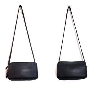 Vintage Coach East West Leather Black Zipper Purse